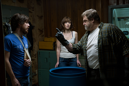 http://thehorrorclub.blogspot.com/2016/04/theatrical-review-10-cloverfield-lane.html