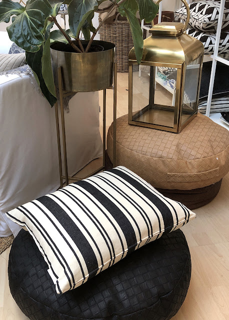 Snygga sittkuddar i olika färger