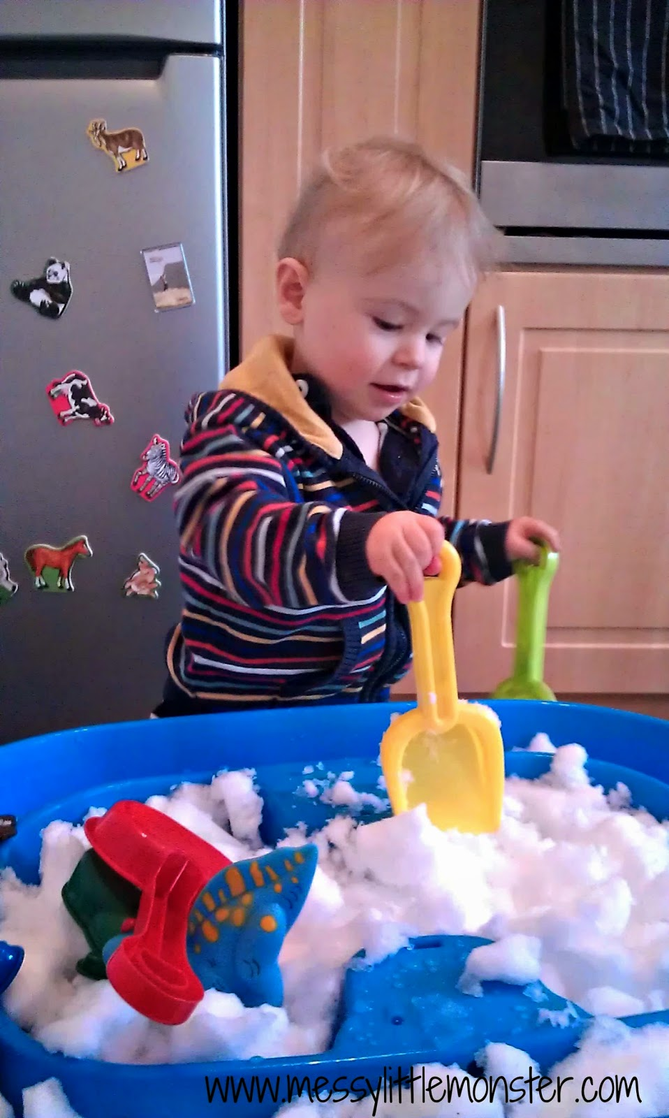 snow sensory bin idea for kids