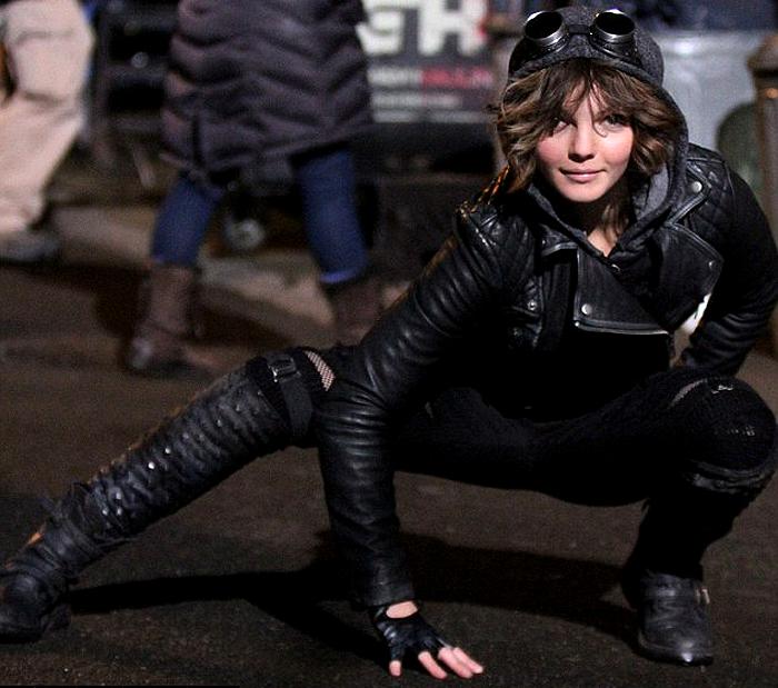 Carmen Bicondova este Selyna Kyle în serialul Gotham