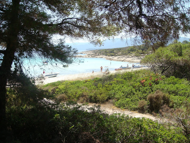 Rent a boat to visit the islands of Vourvourou