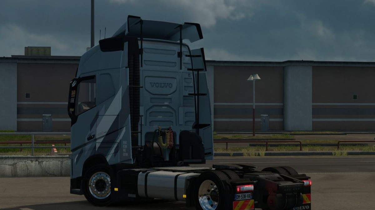 Eugene Volvo FH Low Deck Chassis Addon [v1.0][1.31]