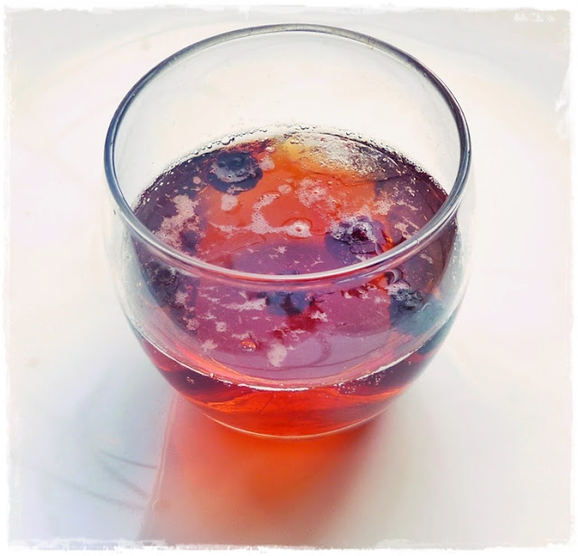 frozen-blackberries-drink