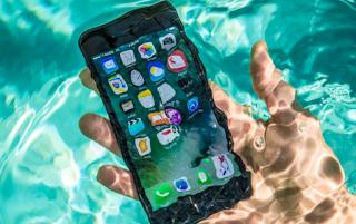 Iphone Masih Utuh Meskipun Lama Telah Tercebur Ke Laut