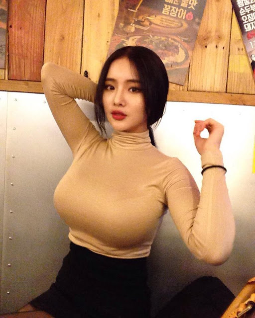 This Korean Freelance Model's Beauty Will Make Your Jaw Drop!