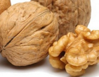 Walnuts (Akhrot) dry fruit acts as a power food for body