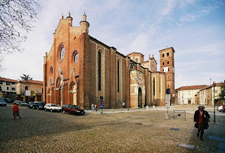 The impressive Baroque cathedral at Asti