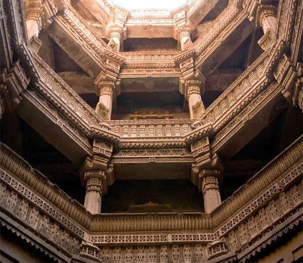 3-अडालज बारव (Adalaj Stepwell, Gujarat)