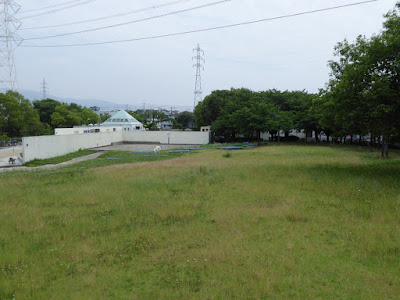 門真市・弁天池公園 野外ステージ 桜の散策路
