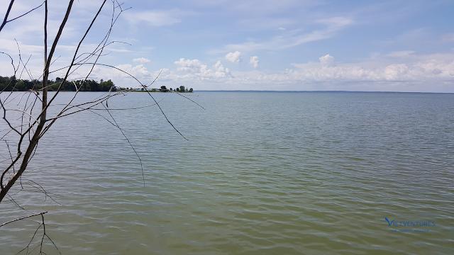Một góc Hồ Trị An nhìn từ Bến Nôm