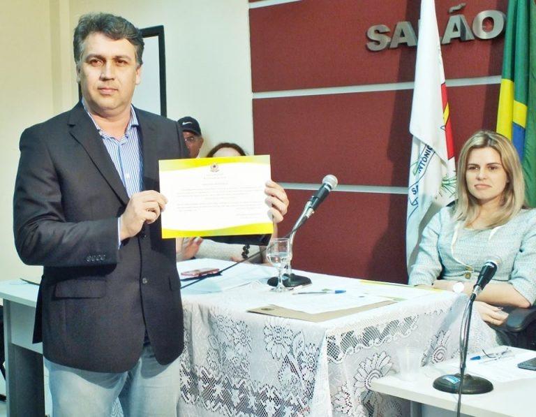 Resultado de imagem para prefeito de Passagem Antônio Fagundes de Oliveira