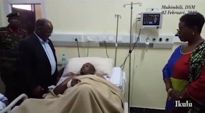 Rais Magufuli amtembelea Charles Kitwanga Hospitali