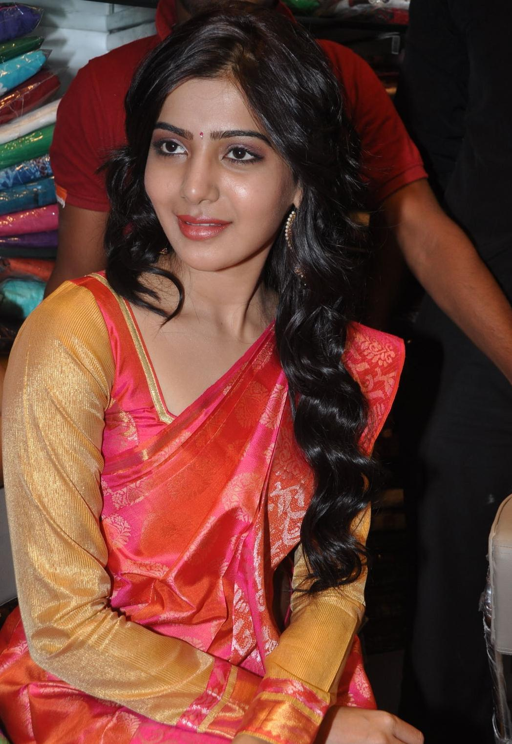 Samantha Hot In Navel Show Photos Orange Saree
