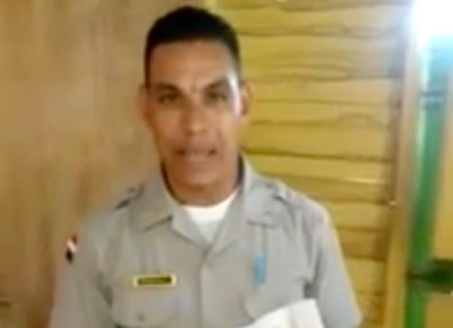 """Video: Teniente dice no lo quieren en la Policía por """"serio"""""""