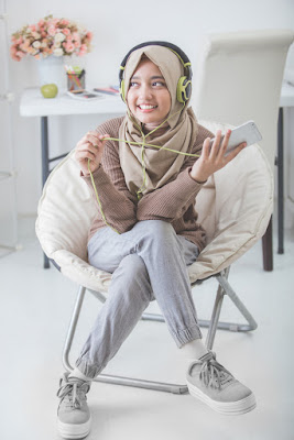 pose model hijab pose model wanita