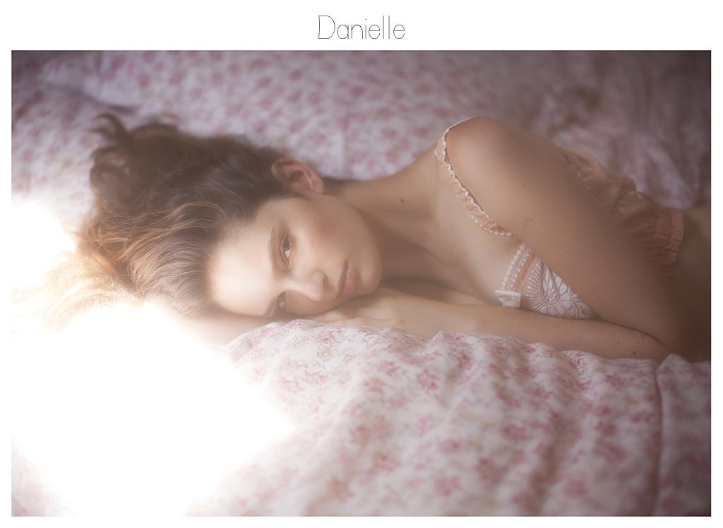 http://viviennemok.blogspot.fr/2014/09/danielle-london.html