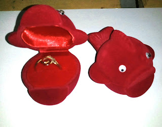 kotak perhiasan,kotak perhiasan cincin,kotak perhiasan murah,kotak perhiasan emas,kotak perhiasan cincin kawin,tempat perhiasan cincin,jual kotak perhiasan cincin.