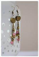 boucles d'oreilles cœur bronze perles jades rose