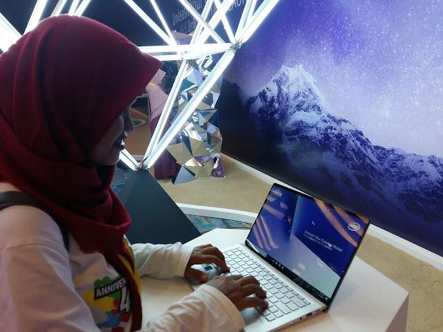 asus laptop premium canggih