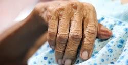 Τις εφιαλτικές στιγμές που έζησε στα χέρια των ληστών περιέγραψε η 85χρονη που τα ξημερώματα της Παρασκευής δύο κουκουλοφόροι εισέβαλαν στ...