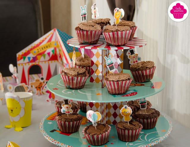 Cupcakes chocolat avec chantilly au chocolat - Theme cirque
