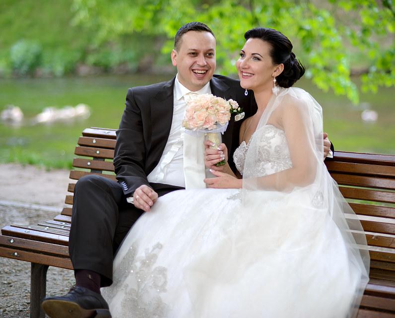 vestuvinė fotosesija Vilniaus Universiteto botanikos sode Vilniuje
