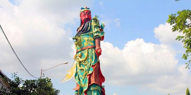Setelah Rame jadi Polemik di Tuban, Patung Dewa Perang ditutup Kain