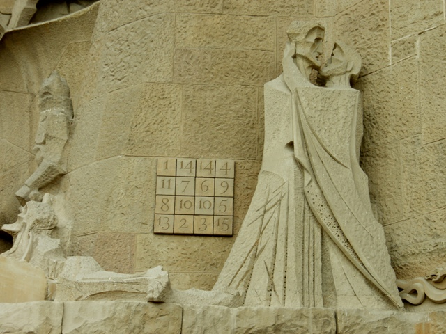 cuadrado incorporado en la fachada de la pasin de cristo en el templo de la sagrada familia en barcelona obra del arquitecto espaol antonio gaud