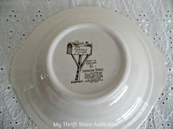 Friday's Find #132 mythriftstoreaddiction.blogspot.com Vintage Johnson Brothers dishes scored at a yard sale!