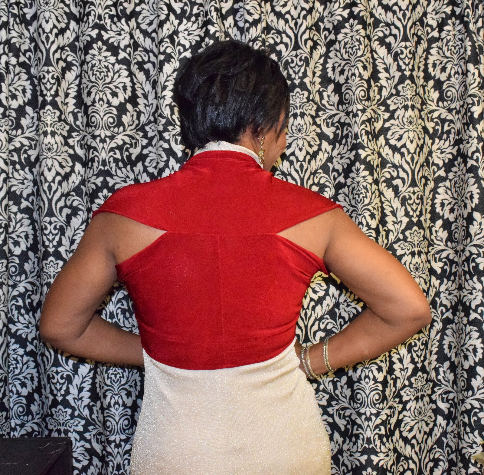 DIY Holiday Party Shrug Tutorial by www.sewtofit.com (Back)