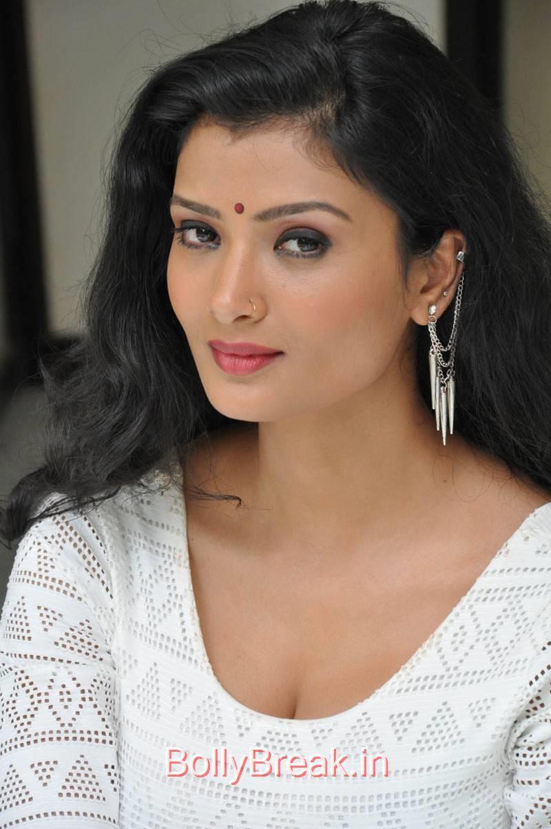Ishita Unseen Stills, Actress Ishita Face Close Up Hot HD Pics