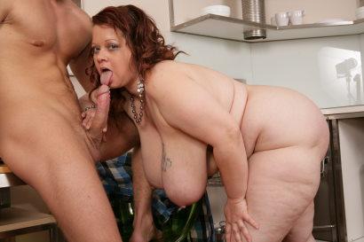 bbw striptease