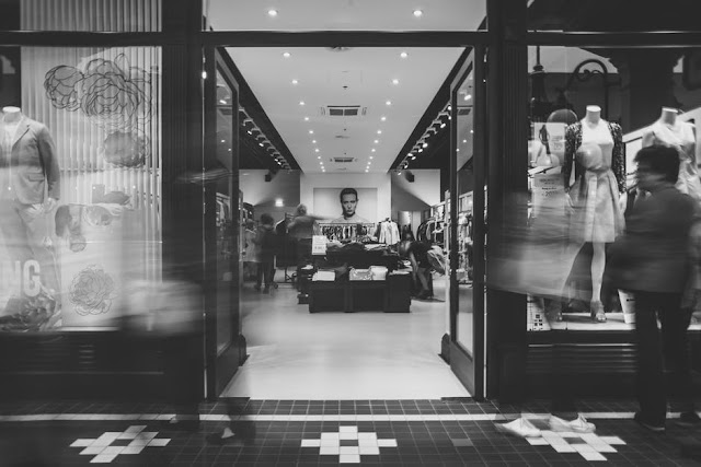 how to sustain growth as an independent boutique clothing shop