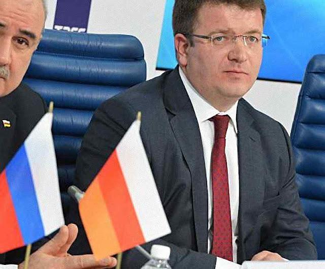 O 'MInistro de Relações Exteriores' da 'Ossétia do Sul', Dimitri Medóev.