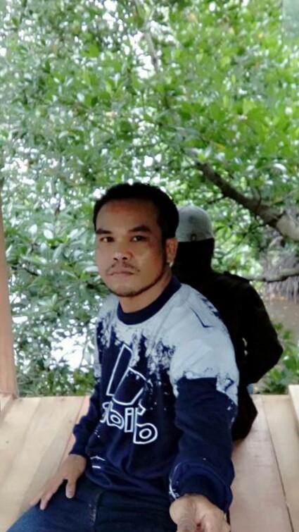 Alby Seorang Perjaka Beragama Islam, Suku Bugis, Berprofesi Projek Di Kota Balikpapan Kalimantan Timur Mencari Jodoh Pasangan Wanita Untuk Jadi Calon Istri