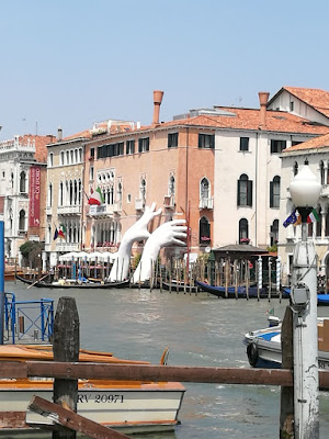 Lorenzo Quinn near the Rialto Bridge at Venice Biennale, Image courtesy Shraddha Rathi, Art Scene India