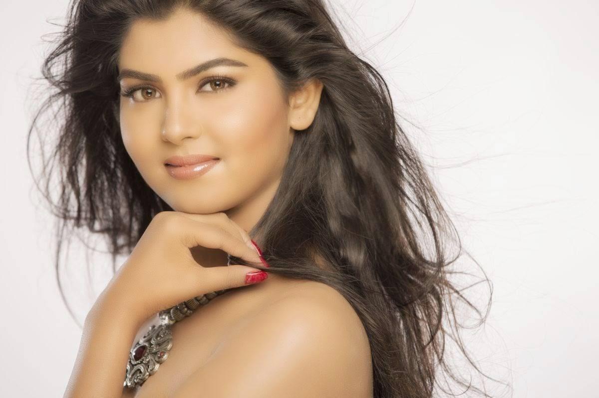 Tamil Actress Upasana, Upasana Hot HD Desktop Wallpapers