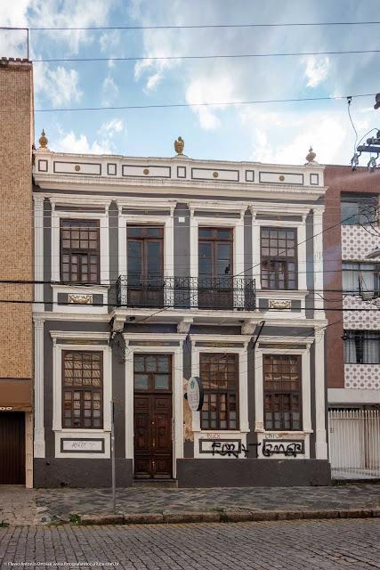 Casa antiga na Rua Paula Gomes