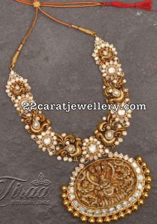 Pachi Floral Necklace by Tiraa Tibarumal