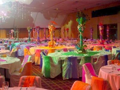 Resultado de imagem para mesa casamento tema carnaval