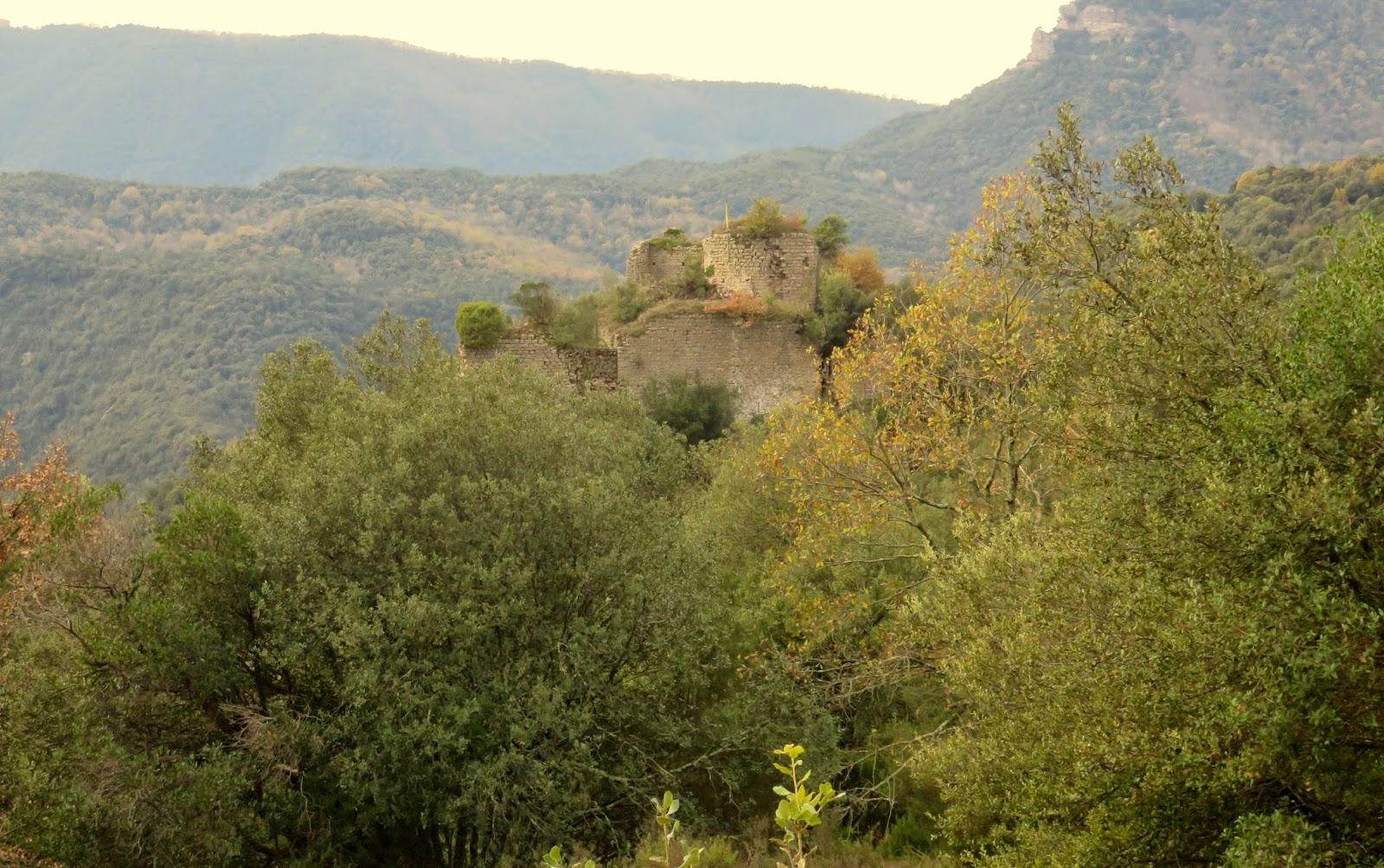El Far, cingles, sant marti de sacalm,castell de fornills, Cova d'en salvi, susqueda