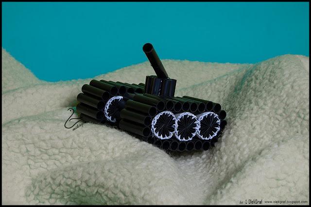 417. Czołg z plastikowych rurek… / Handmade tank with plastic tubes