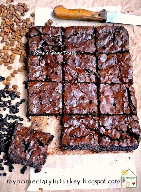 STARBUCKS COPYCAT ESPRESSO BROWNIES   Çitra's Home Diary. #browniesrecipe #resepbrownies #chocolaterecipe #dessertidea #coffebrownies