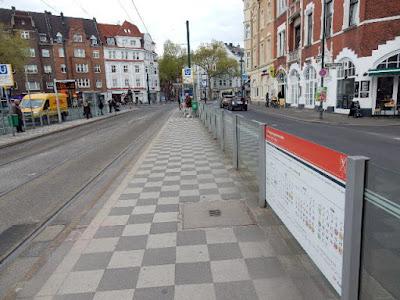 http://www.rp-online.de/nrw/staedte/duesseldorf/rheinbahn-duesseldorf-verspaetungen-den-donnerstag-ueber-wegen-systemausfall-aid-1.6766573