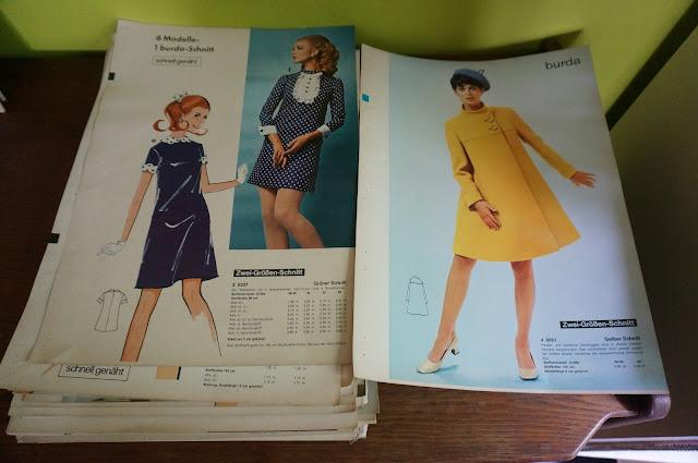 un livre de présentation des patrons Burda des années 60 60s vintage Burda pattern book couture sew 1960s mod twiggy yeye