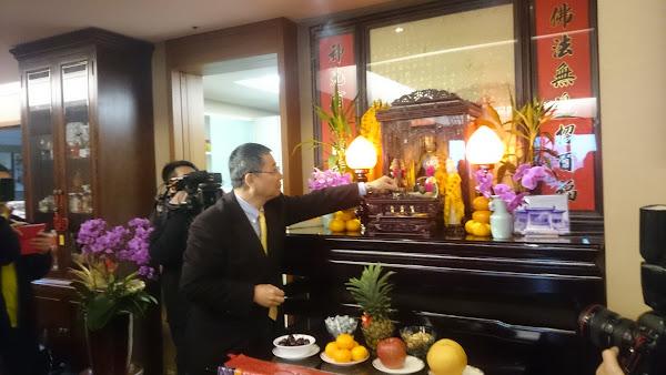 開工第一天,宏碁子弟兵如緯創董事長林憲銘,都會親自到施振榮家拜年、拜地母。