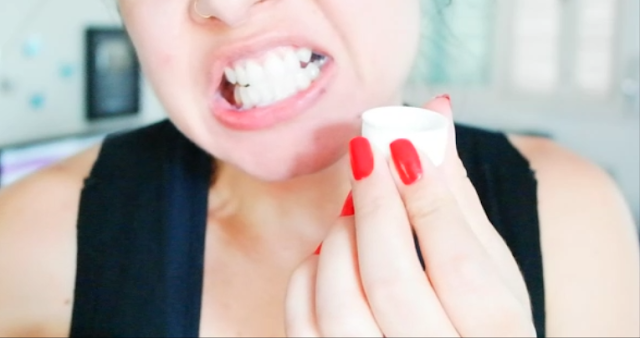 dentes mais brancos, dica caseira, clarear os dentes, leite de magnésia, pó de cúrcuma, açafrão da terra, escovar os dentes,