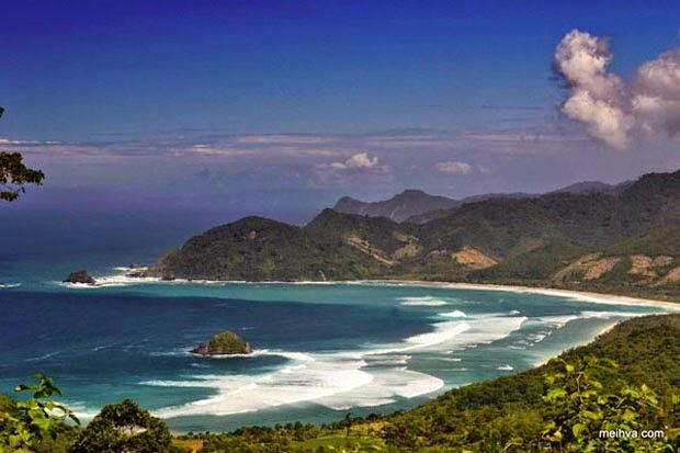 pantai mekaki yang indah di lombok