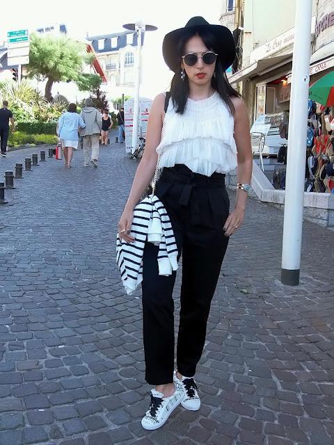 fashion, moda, look, outfit, blog, blogger, walking, penny, lane, streetstyle, style, estilo, trendy, rock, boho, chic, cool, casual, ropa, cloth, garment, inspiration, fashionblogger, art, photo, photograph, Avilés, oviedo, gijón, asturias, francia, france, pantalón, trousers, negor, black, romantic, rock, biarritz,