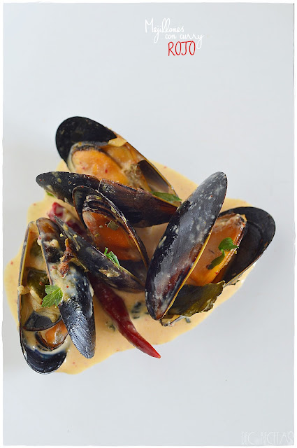 Mejillones con curry rojo (estilo Thai)